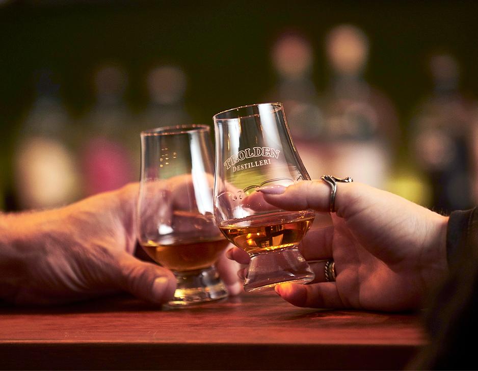 Whiskysmagning hos Trolden Destilleri