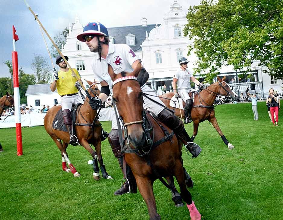 Polospiller for en dag hos Copenhagen Polo Club